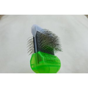 ActiVet Pro Brush soft grün 4,5cm