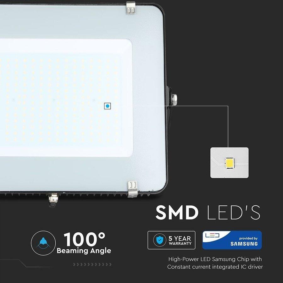 LED-Fluter 200 Watt 4000K IP65 Samsung Ersetzt 1800 Watt 5 Jahre Garantie