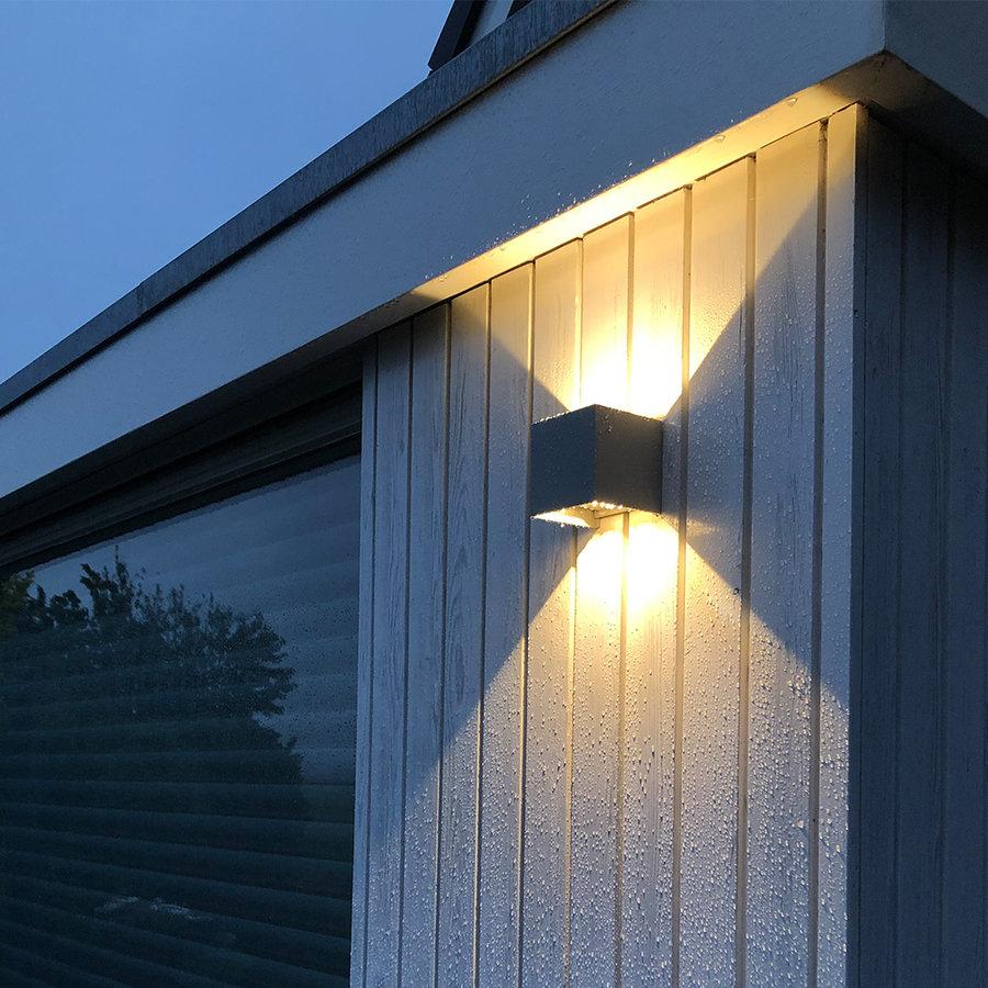 Dimbare LED Wandlamp Kansas grijs 6 Watt 3000K tweezijdig oplichtend IP54