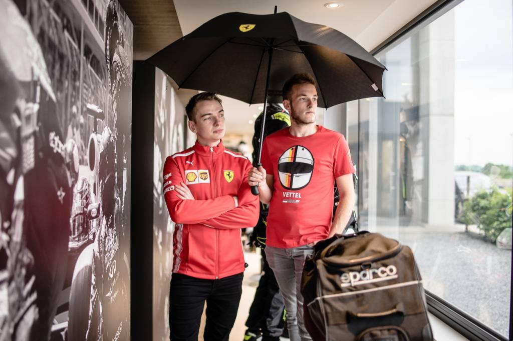 Ferrari Grosser Regenschirm