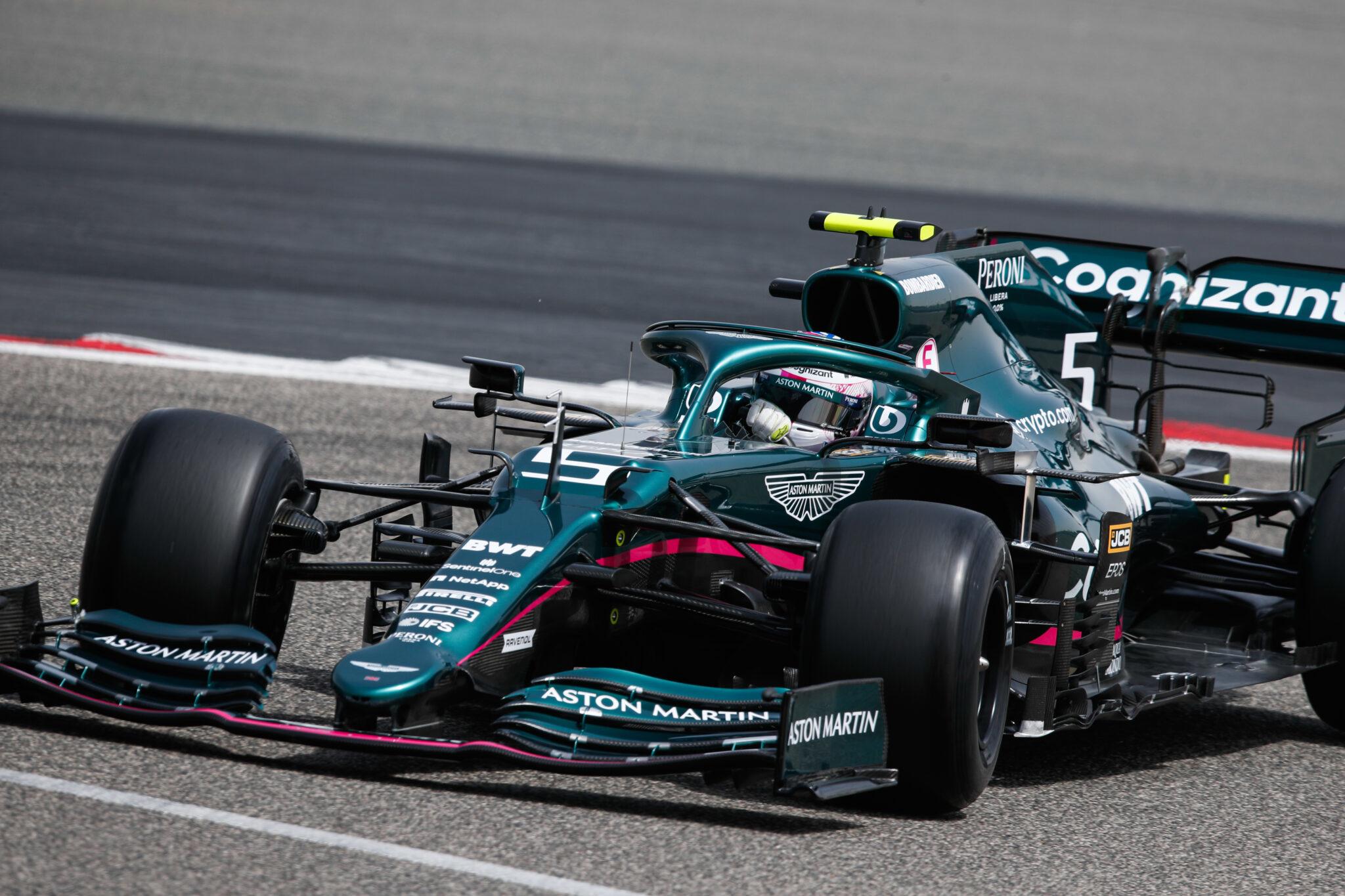 Racing Fashion est ravi d'annoncer son partenariat avec Aston Martin Cognizant Formula One™ Team et  Pelmark, le fournisseur de vêtements et d'accessoires de l'équipe.