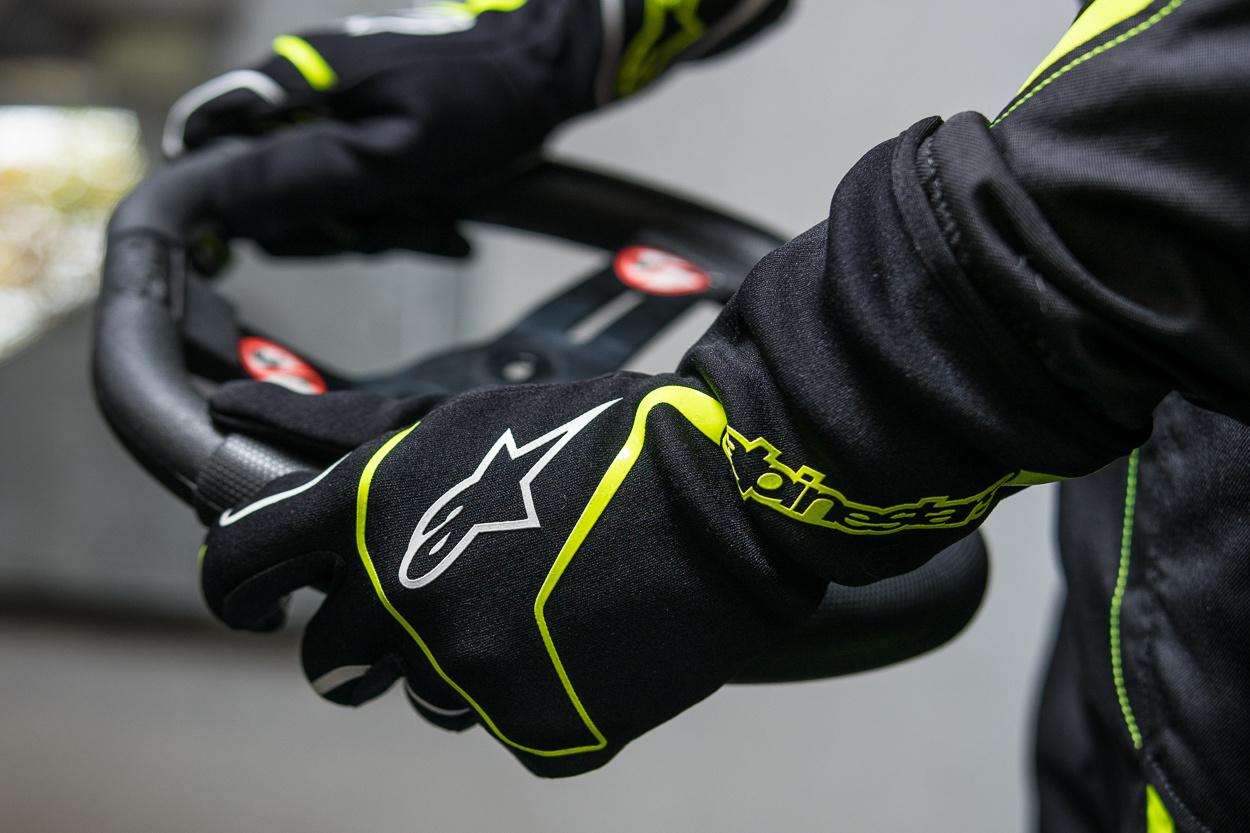 Kunnen kart handschoenen gebruikt worden als simracing handschoenen?