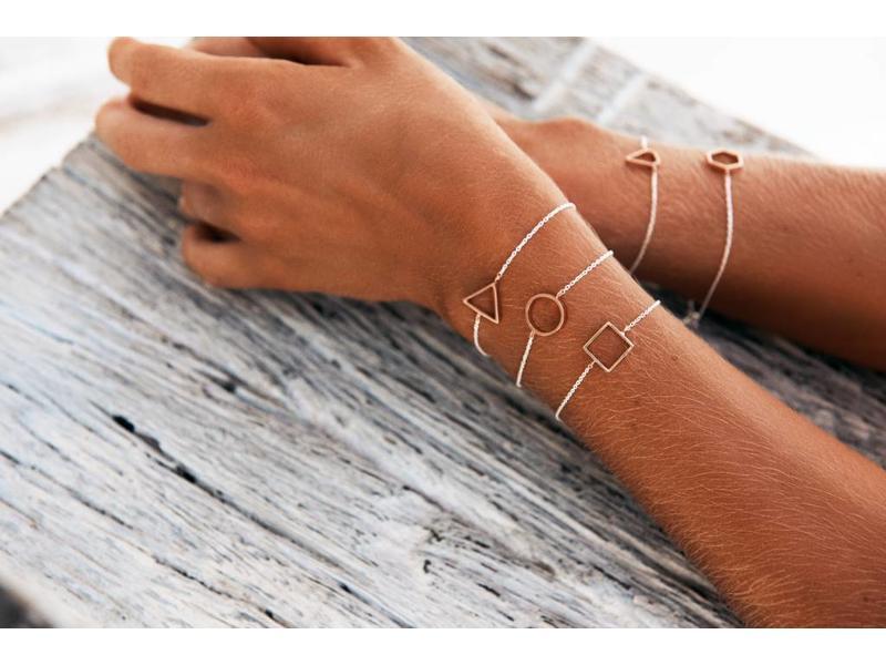 Armbander Delta Silver