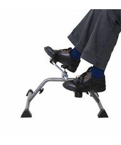 Fietstrainer voor senioren thuis fitness