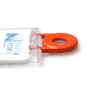 Kaarthouder met sluitmechanisme,  voor verticaal gebruikbaar.