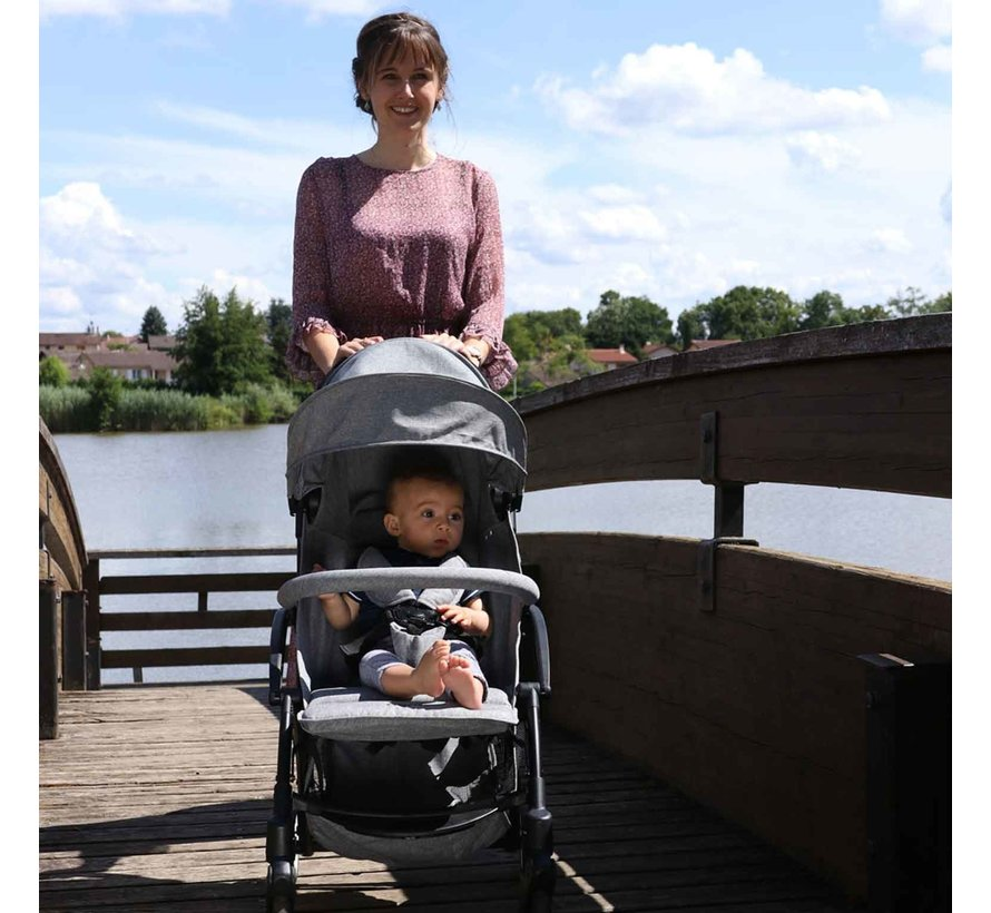 LILI - compact pram - from 0 to 36 months - light and manoeuvrable