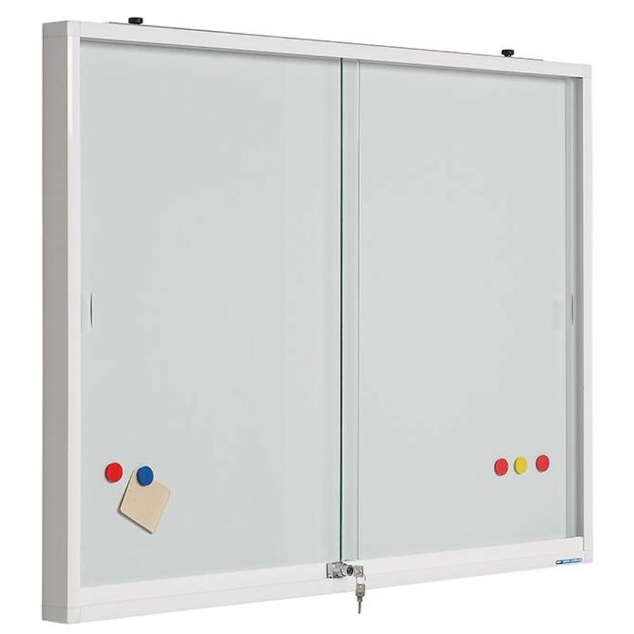 Binnenvitrine met plexiglas schuifdeuren en magnetisch whiteboard-1