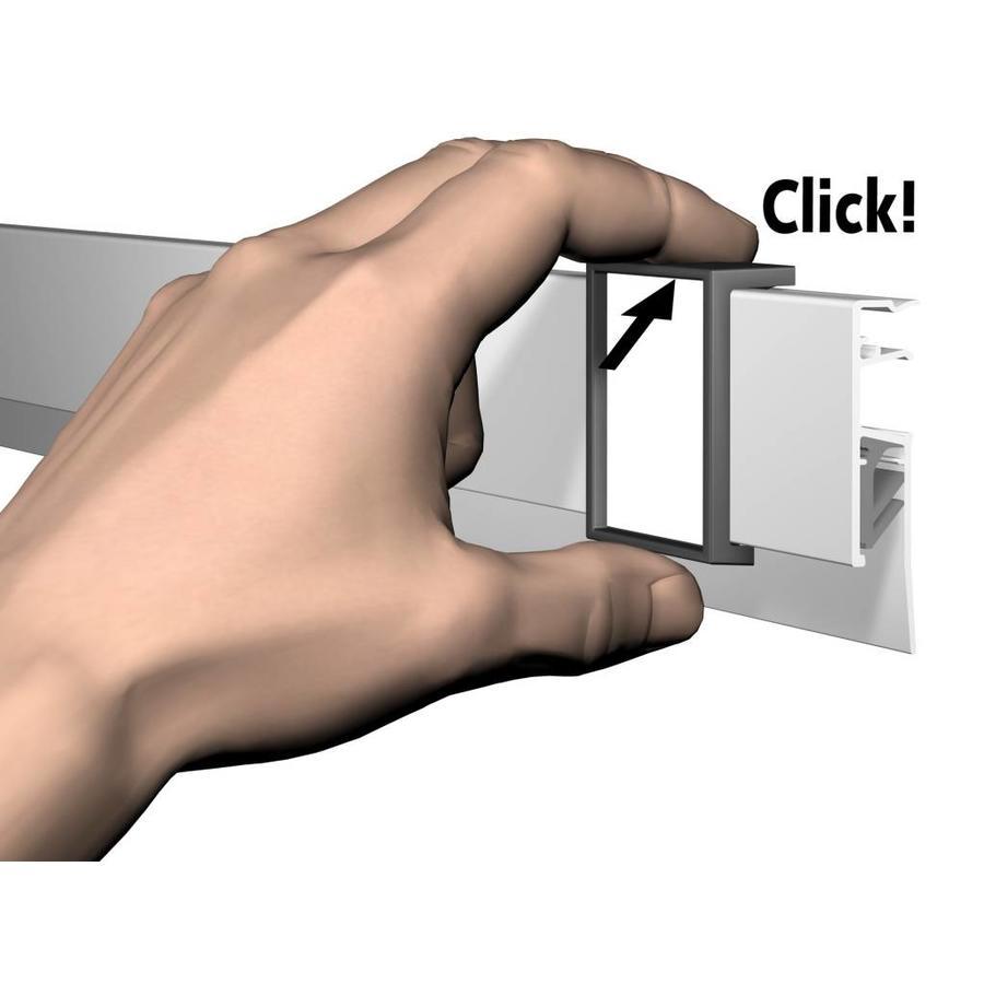 Artiteq Info Rail Me kleur wit. De info rail voorzien van een naam clip , speciaal voor scholen-6