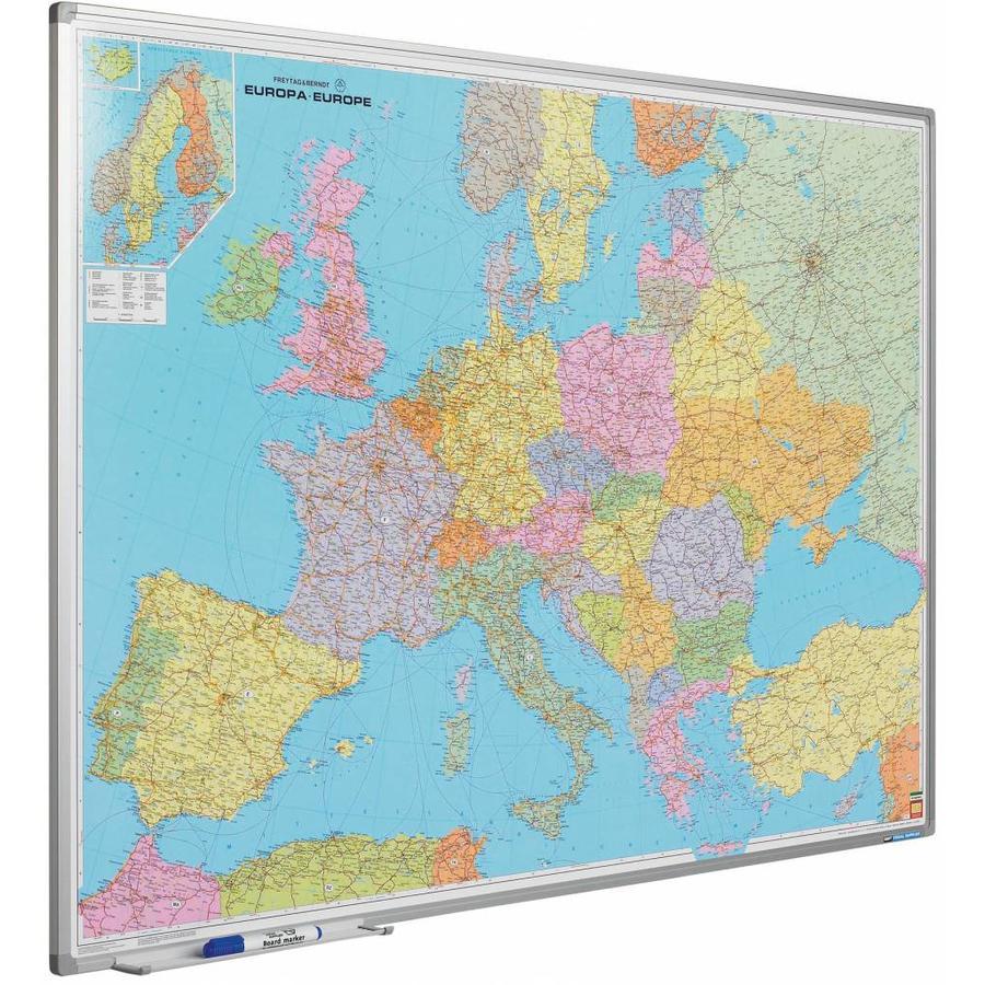 Wegenkaart van Europa op whiteboard-1