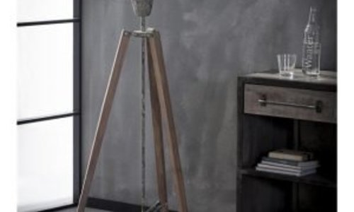 The perfect industrial floor lamp for your interior!