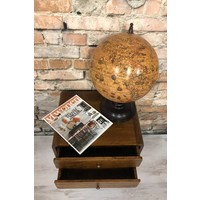 Roundy bedside table