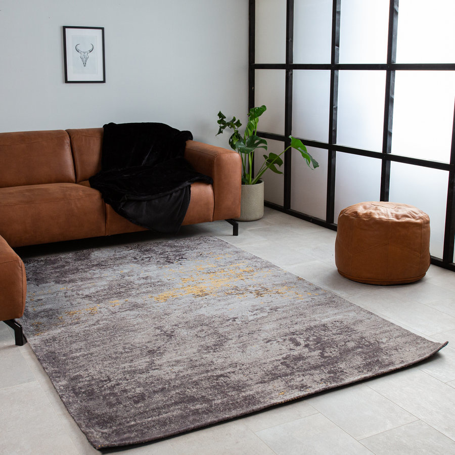 Looking to buy a Rug?