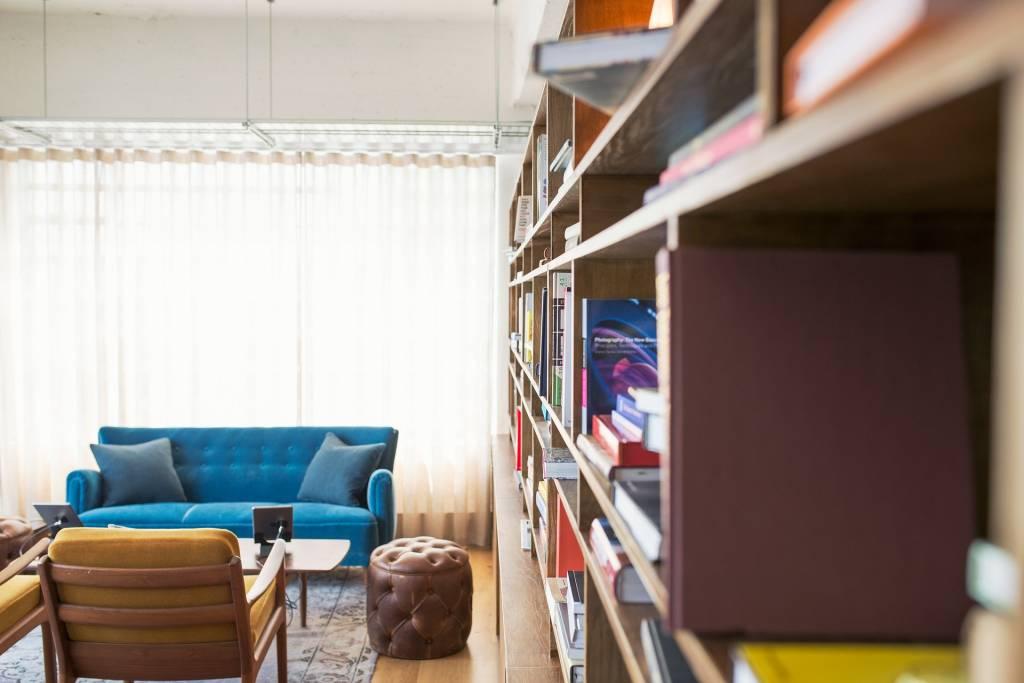 Een smalle woonkamer inrichten… hoe doe je dat?