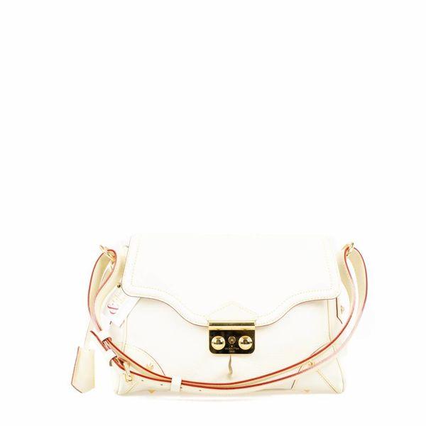 Louis Vuitton Suhali L'Essentiel