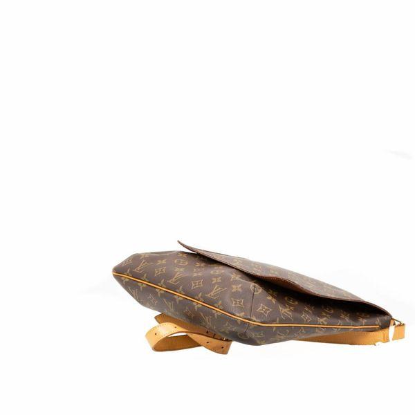 Louis Vuitton Musette Salsa GM