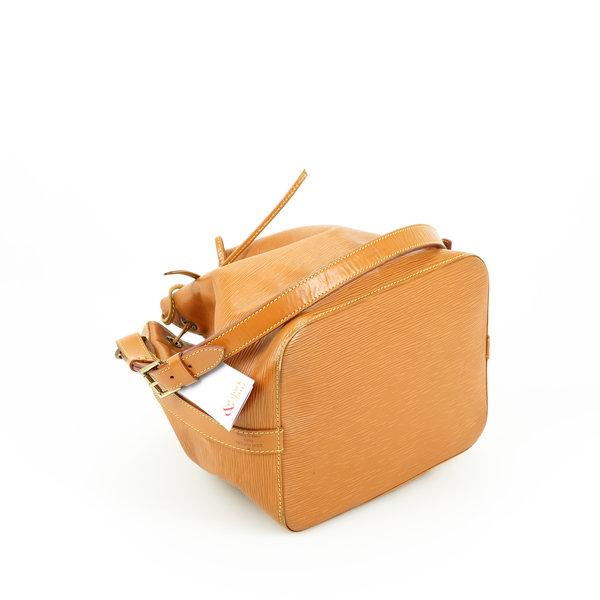 Louis Vuitton Noe Petit  Epi