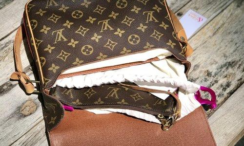 So schützt du deine Designertasche auf Reisen!