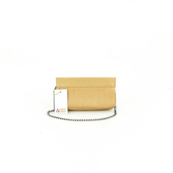 Chanel Pochette