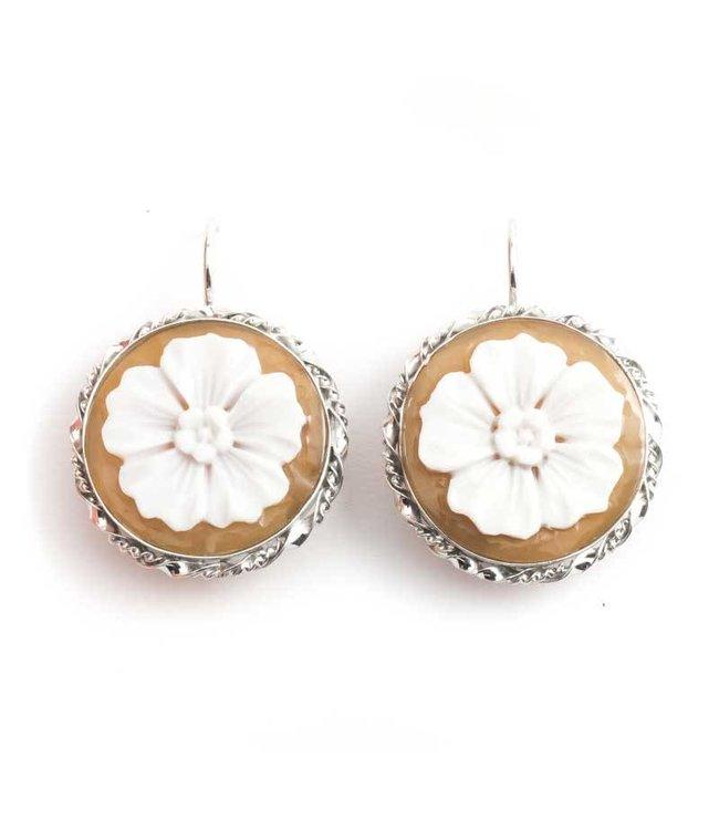 Mario Scognamiglio Zilveren camee oorbellen met grote bloemen