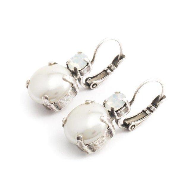Witte oorbellen met parel en kristal