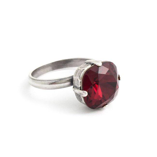 Rode ring met 12 mm Swarovski kristal