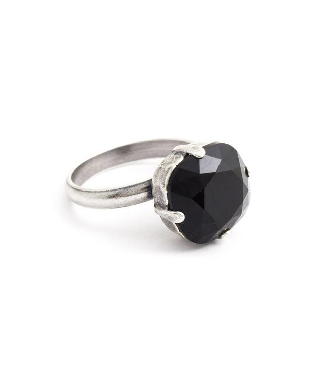 Krikor Zwarte ring met 12 mm Swarovski kristal