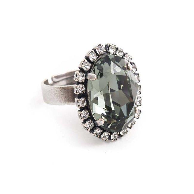 Ovale grijze ring met Swarovski kristal