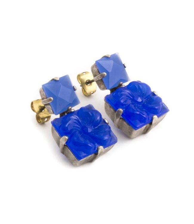 De Luxe Blauwe oorbellen met bloemen