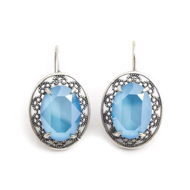 Ovale oorbellen met licht blauw Swarovski kristal