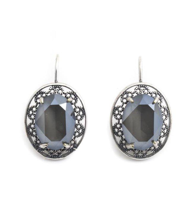 Krikor Ovale oorbellen met grijs Swarovski kristal