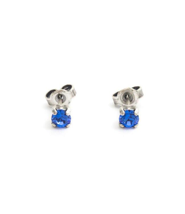 Krikor Zilveren oorknopjes met 4 mm sapphire blauw kristal