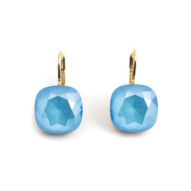 Vergulde oorbellen met licht blauw Swarovski kristal