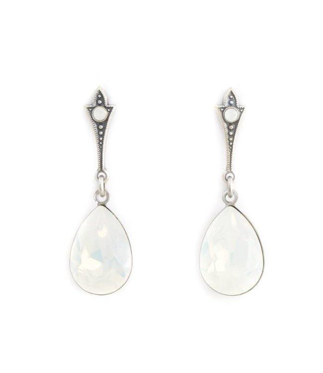 Krikor Lange druppel oorbellen met opaal wit kristal