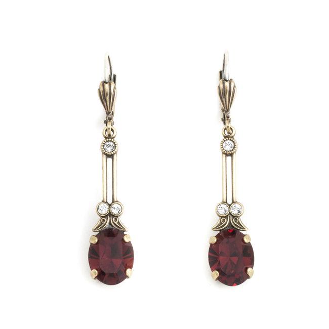 Lange oorbellen met rood kristal