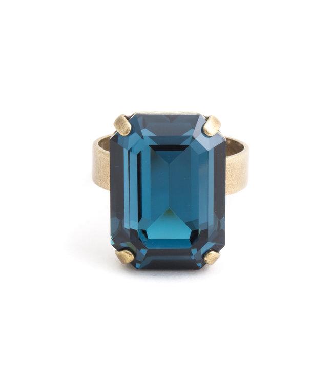 Krikor Rechthoekige blauwe ring met Swarovski kristal