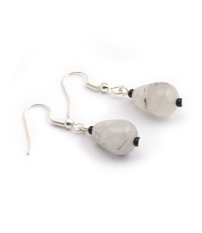 Aurora Patina Verzilverde oorbellen met wit grijze rutielkwarts