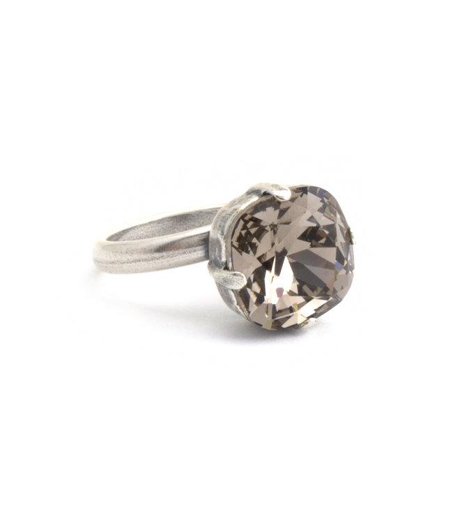 Krikor Licht bruine ring met 12 mm Swarovski kristal