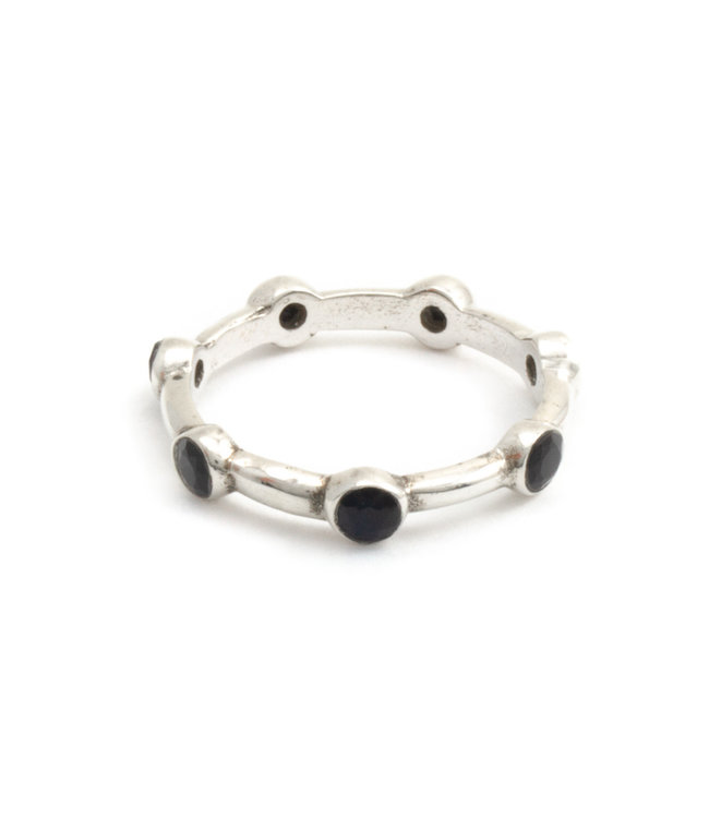 Aurora Patina Zilveren ring met 7 zwarte onyxen