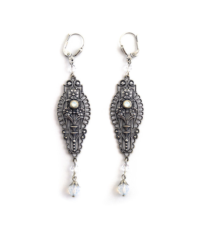 Krikor Lange art nouveau oorbellen met opaal kristal