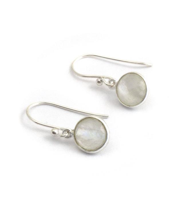 Aurora Patina Zilveren oorbellen met witte maansteen 8 mm