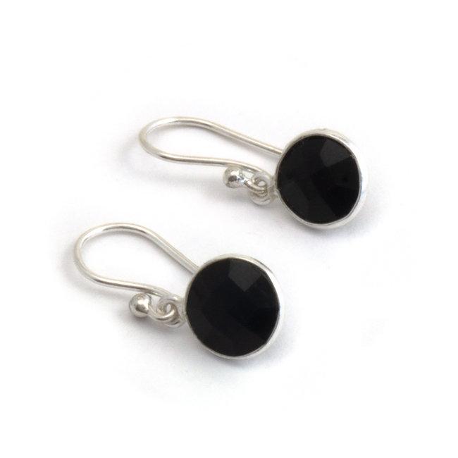 Zilveren oorbellen met zwarte onyx 8 mm