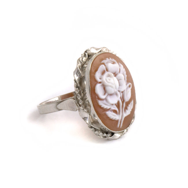 Mario Scognamiglio Zilveren ring met ovale bloemen camee