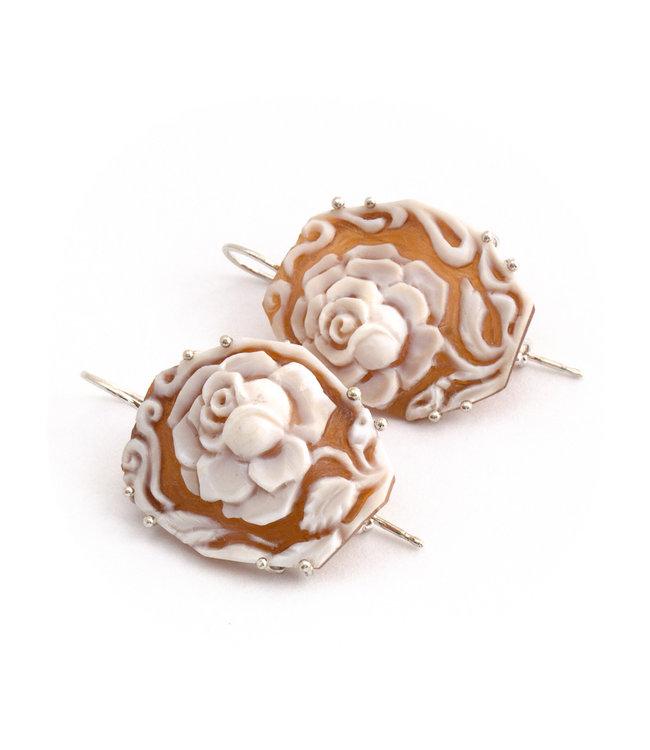 Mario Scognamiglio Zilveren oorbellen met grote rozen camee