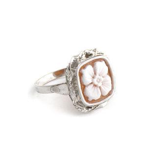 Mario Scognamiglio Zilveren ring met vierkante bloemen camee