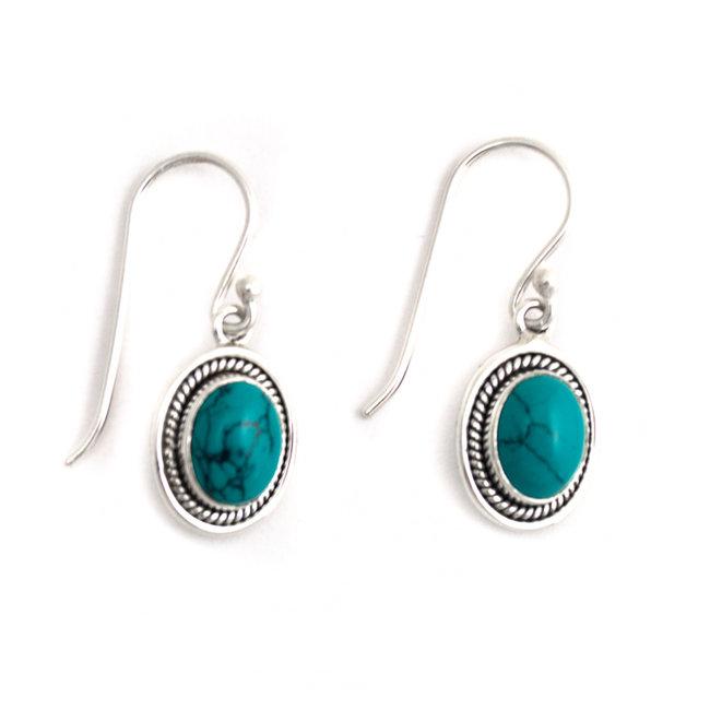 Zilveren oorbellen met ovale turquoise