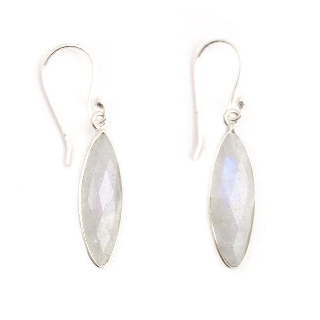 Aurora Patina Ranke zilveren oorbellen maansteen