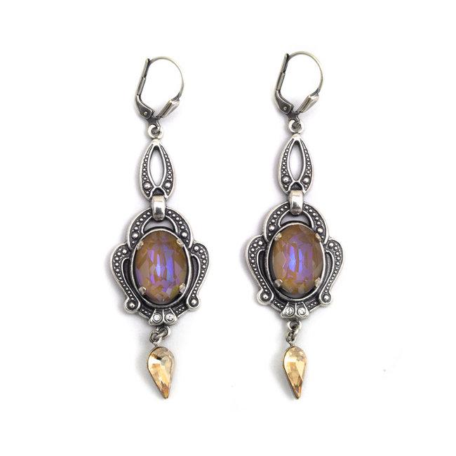 Lange bruine oorbellen met kristal verzilverd