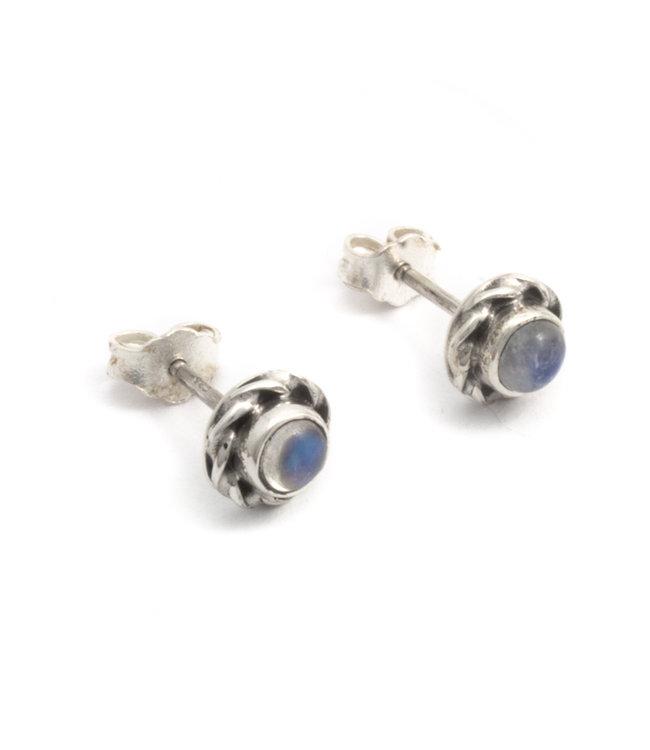 Aurora Patina Zilveren oorknopjes met witte maansteen