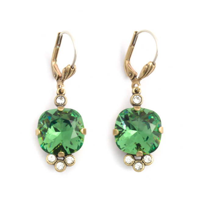 Klassieke oorbellen met groen Swarovski kristal