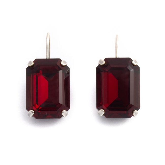 Rechthoekige oorbellen met rood Swarovski kristal - Copy